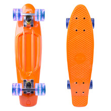 "Das Pennyboard WORKER Sturgy 22"" mit den leuchtenden Rädern - orange"