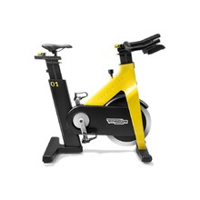TechnoGym Group Cycle CONNECT Fahrradtrainer - gelb